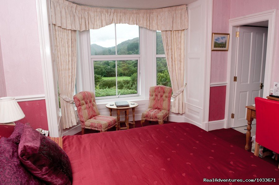 King size room Bryn Bella Guest House | Image #2/10 | Charming Victorian Guest House in the Snowdonia