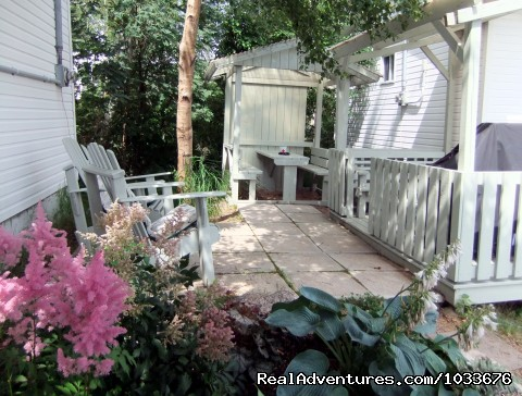 6 Patio, Covered Deck & Picnic Table - By d'Bay,Next to Terra Nova Nat Park & Golf Course