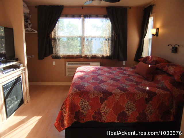 9 King Bed - By d'Bay,Next to Terra Nova Nat Park & Golf Course