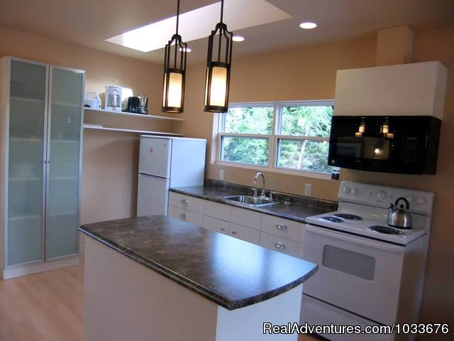 11 Kitchen - By d'Bay,Next to Terra Nova Nat Park & Golf Course
