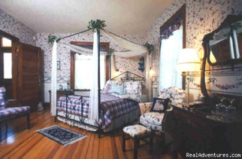 Enjoy romantic Victorian accommodations - Victorian Getaway at Holden House Bed & Breakfast