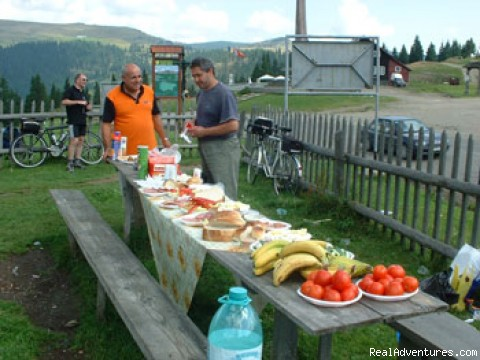 Is time for picnic lunch - Discover ROMANIA by bike