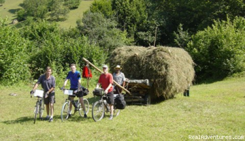 4 horses power - Discover ROMANIA by bike