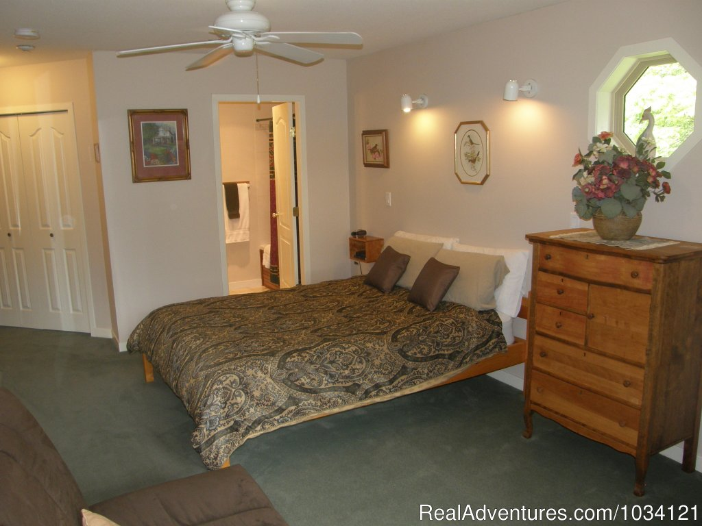 Guestroom 5 | Image #17/26 | Cedar Wood Lodge Bed & Breakfast Inn
