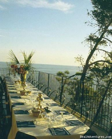 the restaurant's terrace - a green oasis on the sea of Cinque Terre