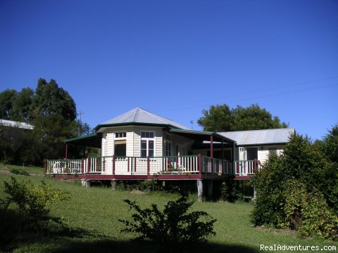 Hideaway Cottage - In the Heart of the Noosa Hinterland