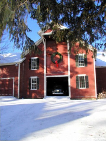 The barn at Christmas time - White Rocks Inn Romantic Country Retreat