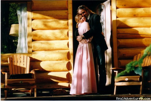 Newlyweds Cabin 1 - Honeymoon or Adventure at Yukon Forest Cabins B&B