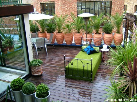 Spectacular terrace - Apartments in central London. Budget to Luxury