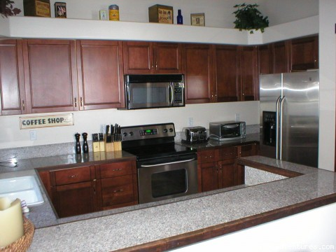 Harris Cove Lodge - Kitchen (#5 of 26) - 4-Season Family Vacation Homes - LAKESIDE