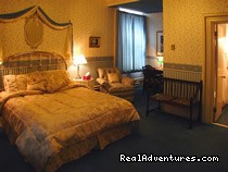 One of Deluxe Queen Rooms - Albert House Inn an oasis of civility downtown