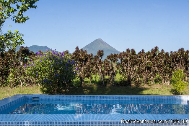 Vista desde piscina - The Best Overnights Close To An Active Volcano