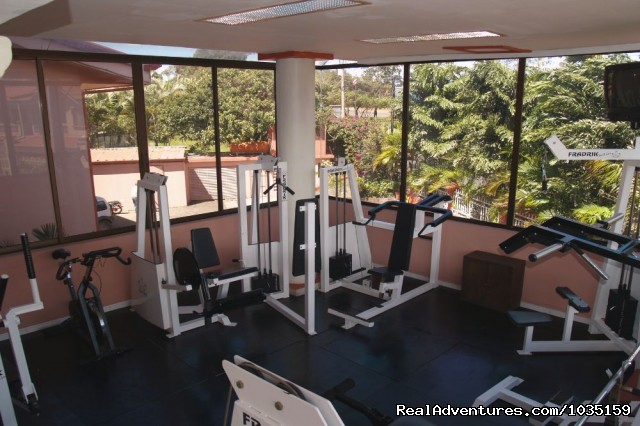 Don't miss a work out - 3.5 star value-priced hotel by airports & San Jose