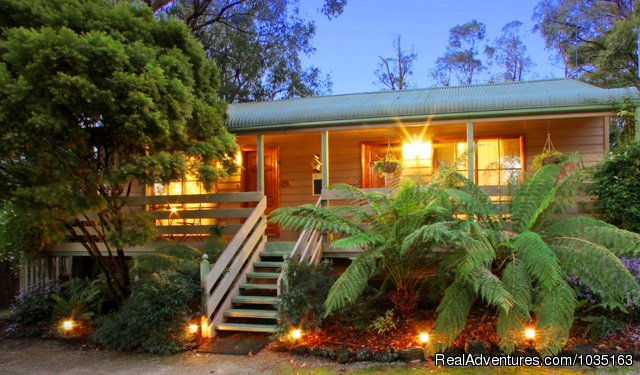 Glenview Retreat Emerald Deluxe Cottages Emerald, Australia Bed & Breakfasts