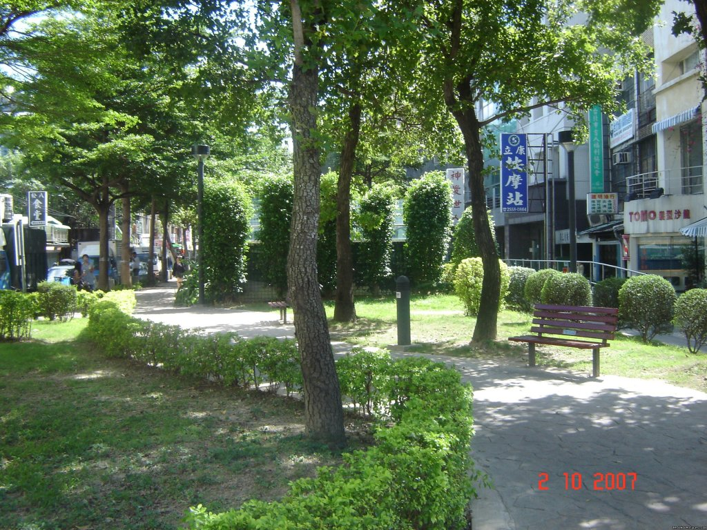 Park behind the ZhongShan MRT Exit one