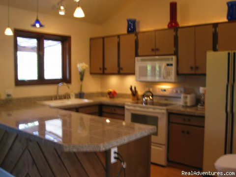 Spacious Full Kitchen & Granite Counters - Family or Group Getaway At The Ridge Residence