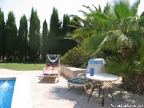 Relax by the pool - Finca El Senyal Bed and Breakfast