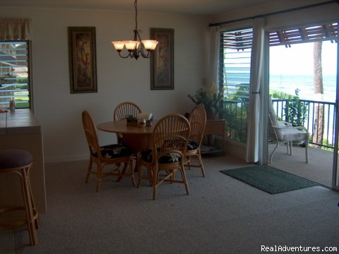 Dining Area and Lania - Beachfront Maui Condo 25 Feet from Water
