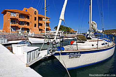 Cantamar's marina - Hotel, Diving, Whale Watching, Fishing in Baja