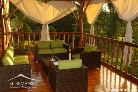 Mirador at the restaurant - Luxury Rainforest Wildlife Lodge - Osa Peninsula