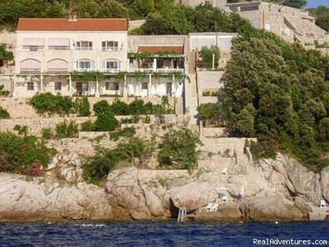 Apartments Bajo in Dubrovnik, at the sea shore Apartments Bajo Front View