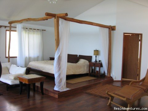 Romantic Canopied King size bed | Image #4/21 | Hale Mar: Luxury Oceanfront Home w Pool & Hot Tub