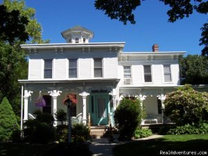 Deluxe Spa Getaway at Quintessentials B &B and Spa Bed & Breakfasts East Marion, New York