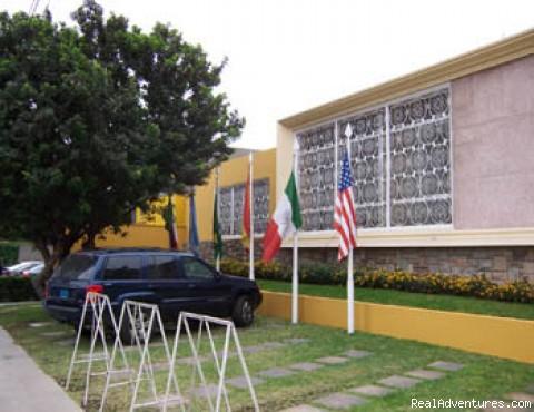 PARKING - Basadre Suites Hotel Lima Peru