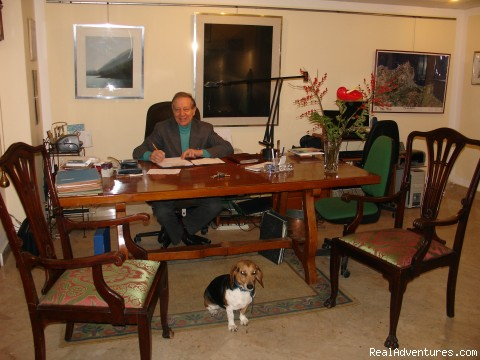The Owner And His Assistant... - ELEGANT and LOW-COST APARTMENTS IN PALERMO CENTRE