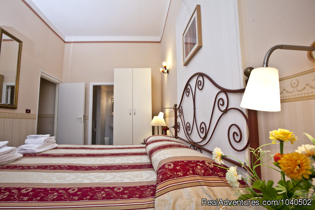 Double Room - Excellent sleeping before visiting Capri an Ischia