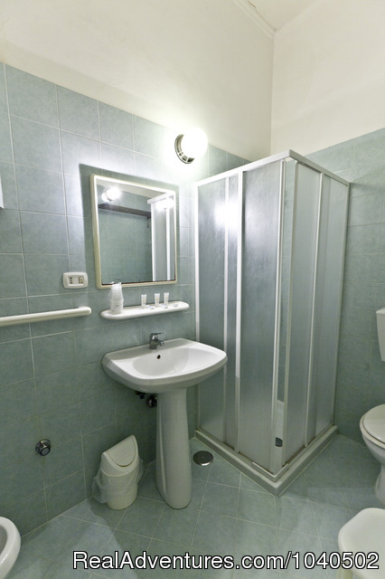 Bathroom - Excellent sleeping before visiting Capri an Ischia