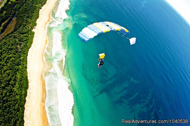 14,000ft Tandem Beach Skydive Sydney