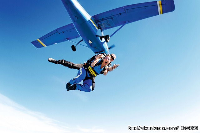 The ultimate high - 14,000ft Tandem Beach Skydive Sydney