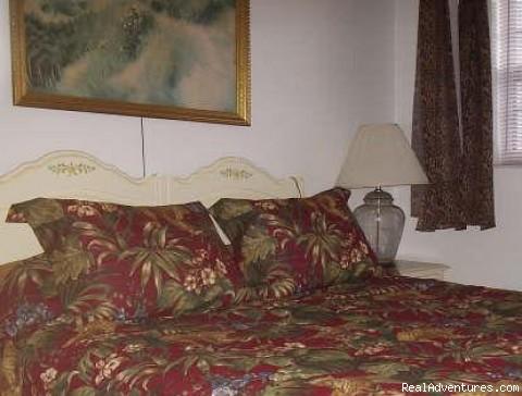 Master Queen Bedroom - Freeport Condo Beach Rental