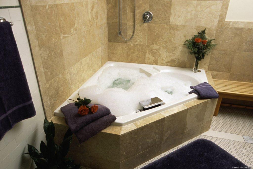 Brookside Jacuzzi whirlpool for two with bubbles | Image #3/5 | The Firelight Inn on Oregon Creek Bed & Breakfast