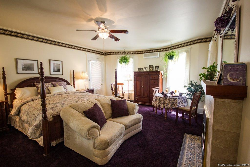 Elegant Brookside Suite | Image #5/5 | The Firelight Inn on Oregon Creek Bed & Breakfast