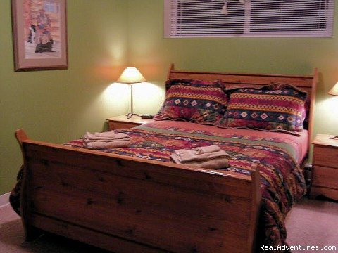 The Lawmen bedroom - Straight Shooter's Mountain Inn