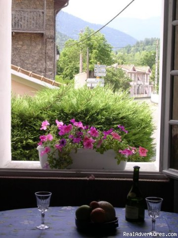 view from window - fantastic mountain views ,1hr from Medievil cit'y
