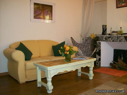 livingroom - fantastic mountain views ,1hr from Medievil cit'y