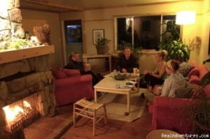 Surfs Inn is your inexpensive getway to the surf!! Tofino, British Columbia Youth Hostels