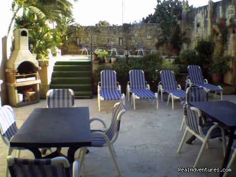 razzett il-Hena, Deck and BBQ area - Relax In Our Farmhouse Of Bliss, Razzett Il-hena