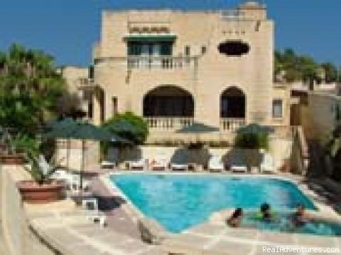 Villa holiday lodging in the Island of Gozo, Malta: Villa Xemxija
