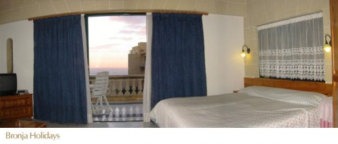 Villa holiday lodging in the Island of Gozo, Malta: Room (indicative)