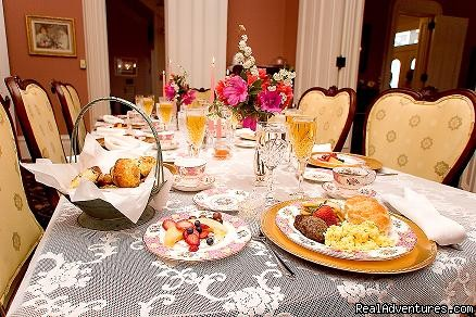 Delicious full plantation breakfast daily - Ahern's Belle of the Bends Bed and Breakfast