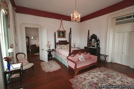 The RiverScene  queen room - Ahern's Belle of the Bends Bed and Breakfast