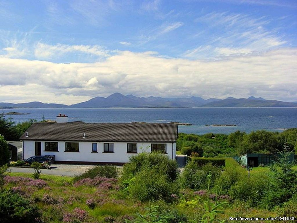 Bed and breakfast accommodation - located in the heart of one of the most beautiful wilderness locations in western Scotland. Badicaul is ideally located for touring the Isle of Skye Lochcarron Torridon Mountains Applecross Loch Maree Glenelg Glenshe