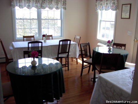 Dinning Room - Historical B & B in the heart of Newport, RI