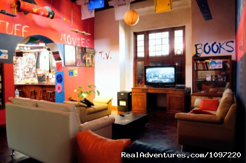 Image #2 of 9 - The Point Hostels - LIMA