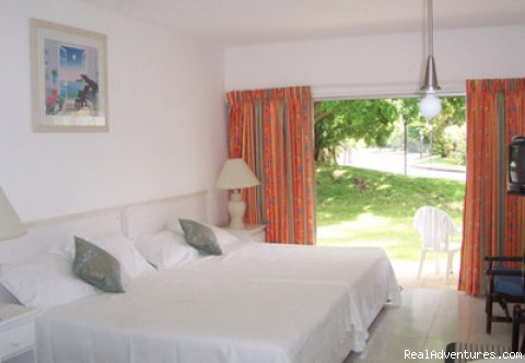 Cozy Apartment sleeps 4 - Barbados Vacation Rental Rockley Golf Resort