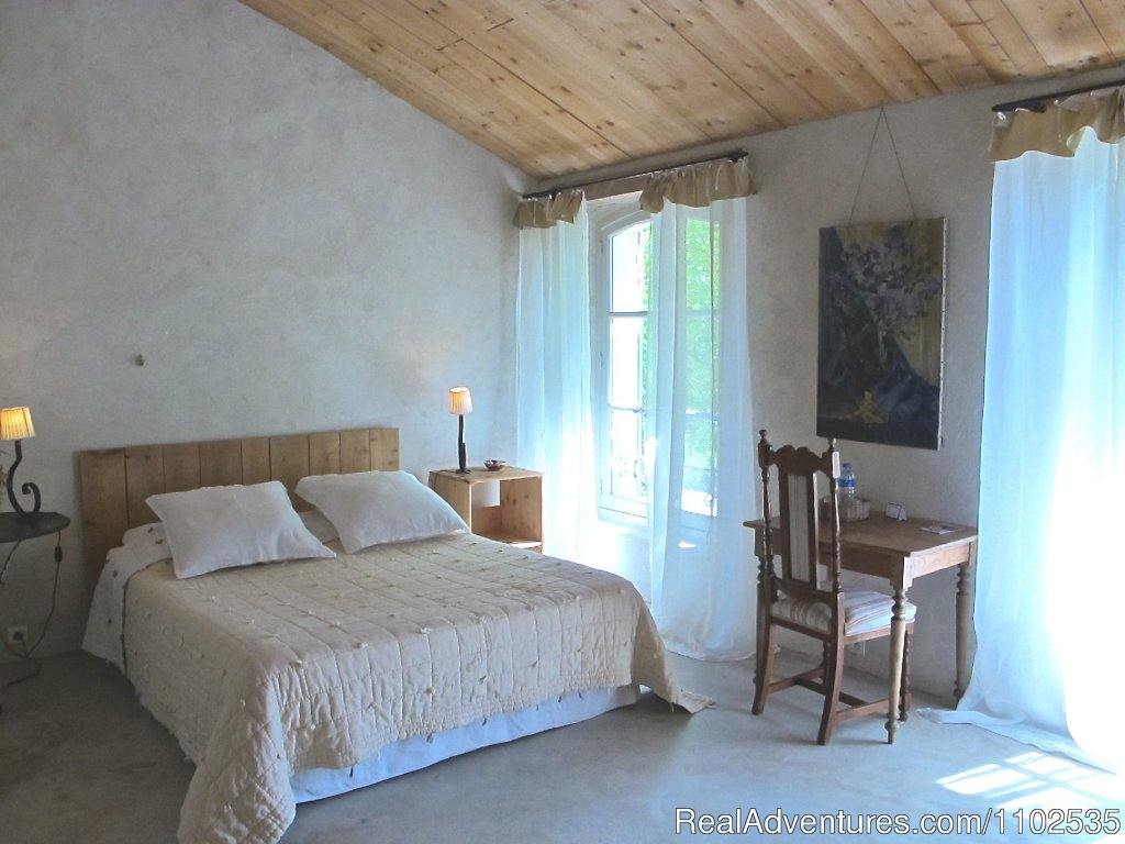 Le Pigeonnier Bedroom | Image #10/22 | Charming Holidays Rental & Guest House